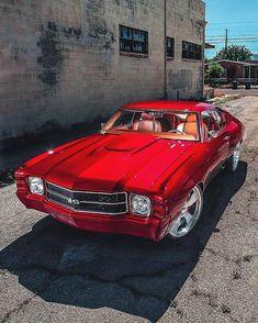 Hot Wheels - Insane Chevelle goodness via looking so nice, bad ass! Custom Muscle Cars, Custom Cars, 1971 Chevelle, Chevrolet Chevelle, Car Head, Chevy Ss, Fancy Cars, Armored Vehicles, Dream Cars