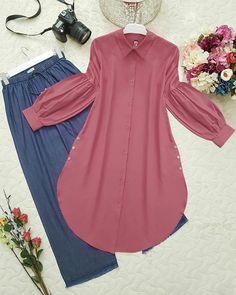 Login Banyo – home accessories Abaya Fashion, Muslim Fashion, Fashion Wear, Modest Fashion, Fashion Dresses, Stylish Dresses, Casual Dresses, Modele Hijab, Kurta Designs Women