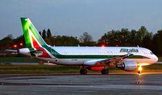 Night Flight - Alitalia A320 at LIN