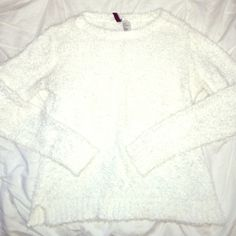 Fuzzy White Sweater In perfect condition love this cozy sweater! Size small H&M Sweaters Crew & Scoop Necks