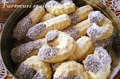 m.bucataras.ro Romanian Desserts, Romanian Food, Spritz Cookies, Cake Cookies, Butter Cookies Recipe, Sweet Pastries, Pastry Cake, Snacks, Food Cakes