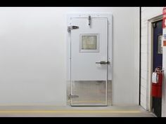 Video de Instalación de la puerta de Congelación Chase Door.