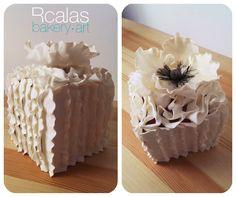 White poppy cakeVer traducción
