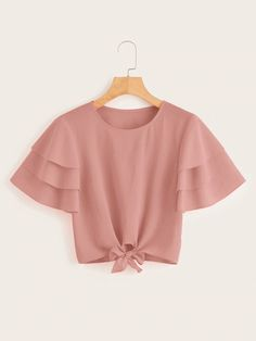 To find out about the Layered Sleeve Knot Hem Blouse at SHEIN, part of our latest Blouses ready to shop online today! Girls Fashion Clothes, Teen Fashion Outfits, Stylish Outfits, Girl Fashion, Girl Outfits, Crop Top Designs, Blouse Designs, Off The Shoulder Top Outfit, Crop Top Outfits
