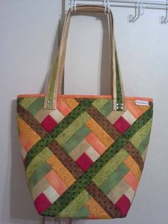 Bag Pattern Free, Bag Patterns To Sew, Quilt Patterns, Quilted Tote Bags, Patchwork Bags, Sampler Quilts, Fabric Bags, Sewing Basics, Zipper Bags