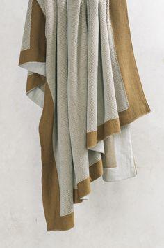 Beautiful wool and Alpaca blend - Komorebi antique gold throw #knittedthrow #alpaca #bedlinen #decor