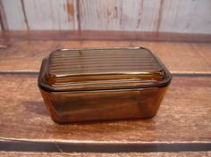 Pyrex 502 Refrigerator Dish with Lid Amber/Brown by GandTVintage