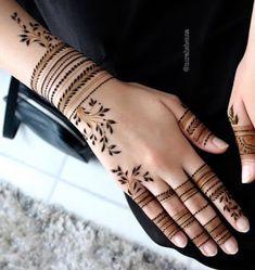 Trendy and stunning 140 finger mehndi designs for 2020 brides! Trendy and stunning 140 finger mehndi designs for 2020 brides!,Henna designs hand Trendy and stunning 140 finger mehndi designs for 2020 brides! Henna Tattoo Designs Simple, Mehndi Designs Finger, Khafif Mehndi Design, Back Hand Mehndi Designs, Henna Art Designs, Mehndi Designs For Girls, Mehndi Designs For Beginners, Mehndi Designs 2018, Stylish Mehndi Designs