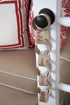 cute paper chain for Valentine's Day