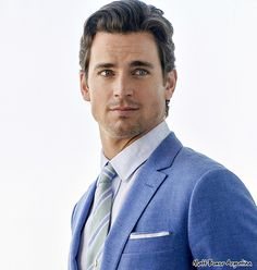 Blue eyes, blue suit, yes please!