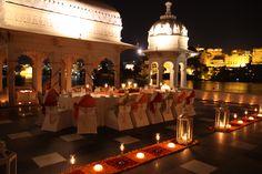 Cena en la Terrzada del Hotel Lake Palace