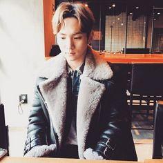 SHINeeのキーが行儀よく座っている写真を公開した。キーは6日午後、自身のInstagram(写真共有SNS)に「like a good boy」という短い英文を書き込み、1枚の写真を掲載した。公… - 韓流・韓国芸能ニュースはKstyle