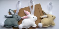 Easter Decoration, Felt Easter Bunny, Easter Gifts, Rabbit Ornament, Bunny Decorations This listing is for 1 cute little felt Easter bunny. These little rabbits measure 9cm across. The bunnies are hand sewn using premium 40% wool blend felt and hang from a little hoop of white ribbon.