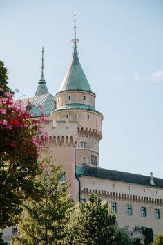 Bojnice Castle in Slovakia Pokemon Go 2016, Road Trip Europe, Travel Europe, Travel Destinations, Dinosaur Land, Castle On The Hill, Fairytale Castle, Travel Goals, European Travel