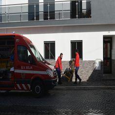 Dois incêndios urbanos em Beja, causam um ferido com queimaduras de primeiro grau e deixam quatro pessoas desalojadas. #beja #bombeiros #incêndios
