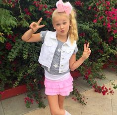 How many other ten year old boys could rock this outfit as well as I do? Dance Outfits, Boy Outfits, Cute Outfits, Jojo Siwa Age, Toddler Fashion, Kids Fashion, Jojo Siwa Outfits, Jojo Bows, Dance Moms Girls