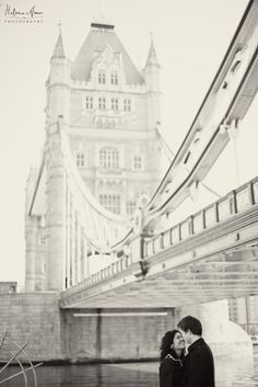 London engagement photo