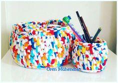 Hayırlı, bereketli günler diliyorum. Bu rengarenk oyuncak sepeti ve kalemlik seti İzmir'deki İsmailcik için hazırlandı. Sağlıkla kullansın küçük bey♥♥#handmade #interiordesign #kid#baby#home#colour#family#mommy #crochet #knitting #kidsroom #toys#box#pencilbox #pencil #örgüsepet #örgü#elişi #elemegi #tığ#çocuk#bebek#renkli#oyuncak#penyeip #penyesepet #evim#sweet#dantel#mutfak http://turkrazzi.com/ipost/1515848393846206111/?code=BUJYBU4jK6f