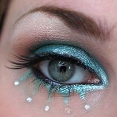 Reminds me of snow and water. Mermaids come to mind too. #makeup