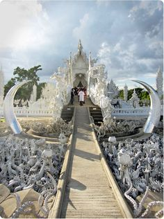 Wat Rong Khun: The White Temple in Chiang Rai