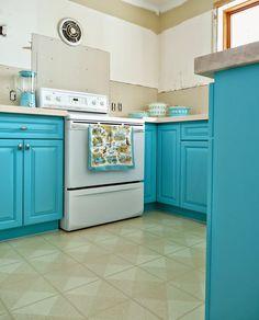 Kitchen Progress: Turquoise Cabinets? Check!