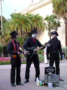 """Steam Powered Giraffe.... (Aliens with Talent)  Very talented performers that I saw in Balboa Park. They call themselves, """"Steam Powered Giraffe"""".  You may find them on the Internet..."""