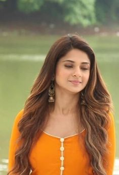 Jennifer Winget Beyhadh, Bike Photoshoot, Indian Tv Actress, Jennifer Love, Tv Actors, Beautiful Bollywood Actress, Girl Poses, Beauty Queens, Looking Gorgeous