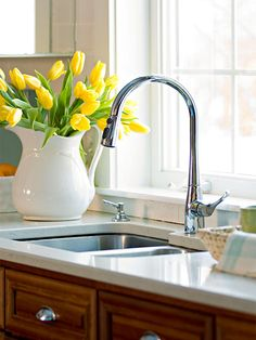 Divided Kitchen Sink Ideas Install a double-bowl sink in your kitchen to ease cleanup and add style. Browse here to find multiple styles, colors, sizes, and installation types, and decide which sink will fit in perfectly in your kitchen. Large Kitchen Sinks, Corner Sink Kitchen, Double Kitchen Sink, Mini Kitchen, Kitchen Redo, Kitchen Styling, New Kitchen, Kitchen Remodel, Kitchen Design