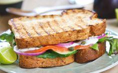 Smoked salmon toast/Savulohivoileipä