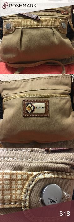 """Fossil Canvas Cross Body Bag Brand: Fossil Material: Canvas Style: Cross Body  Outside Front: 1 zipper and 1 slip pocket  Outside Back: 1 slip pocket  Bag zips closed  Inside Bag: 1 zipper pocket  H 8"""" x W 9.5 x Drop 21"""" Open to Offers Fossil Bags Crossbody Bags"""