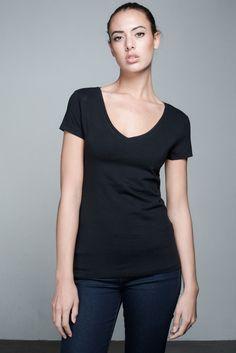 Bente V-neck T-shirt   People's Avenue  #vneck #tshirt #black #basic