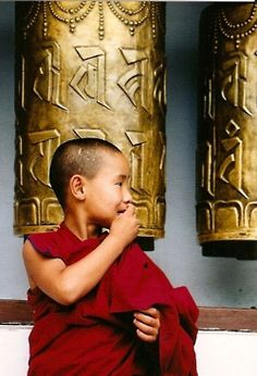 Monk with Prayer Wheels -Tibet Buddhist Prayer, Buddha Buddhism, Buddhist Monk, Tibetan Buddhism, Buddhist Meditation, We Are The World, People Of The World, World Religions, World Cultures