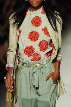 Etro at Milan Fashion Week Spring 2014 - StyleBistro. Love this  combo. sleek, professional, comfy!