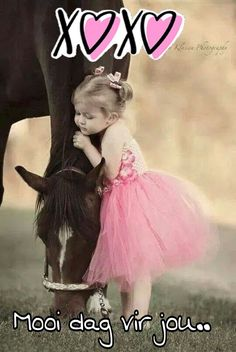 Petite fille adorable et son cheval Pretty Horses, Horse Love, Beautiful Horses, Animals Beautiful, Dark Horse, Beautiful Flowers, Horse Pictures, Cute Pictures, Animals For Kids
