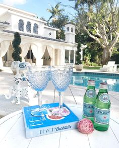 "1,374 aprecieri, 17 comentarii - Fashionable Hostess (@fashionablehostess) pe Instagram: ""Perfect evening to enjoy this view 🌤{and dream of cocktails thanks to this fab new book via…"""