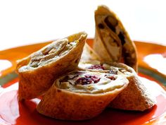 Gorp Wrap After-School Snacks Kids Can Make by Themselves. Can switch it up by using pb for the spread or craisins and almonds in place of gorp. Lots of possible variations and easy to do. School Snacks For Kids, Easy Snacks For Kids, Kids Meals, Beach Treats, Beach Snacks, Camp Snacks, Kid Snacks, Yummy Snacks, Yummy Food