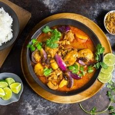 This chicken massaman curry brings bold spices, flavors, and colors.without an unbearable level of heat. There's a kind of masochistic pride in determinedly finishing off a violently fiery curry, dropping the fork into the cleaned-out bowl Chicken Massaman Curry, Massaman Curry Paste, Curry Recipes, Healthy Recipes, Wok Recipes, Recipies, Asian Recipes, Wheat Beer, Thai Dishes