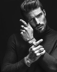 Mariano Di Vaio's brushed hairstyle is copied by most men. And now Mariano Di Vaio new hairstyle on our page! Portrait Photography Poses, Photography Poses For Men, Photography Hashtags, Photography Filters, Time Photography, Photography Challenge, Professional Photography, Newborn Photography, Male Models Poses