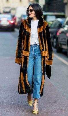 Milan Fashion Week street style: Gilda Ambrosio<<<<<all life goes to this coat Milan Fashion Week Street Style, Look Street Style, Street Style 2017, Street Style Trends, Autumn Street Style, Milan Fashion Weeks, Cool Street Fashion, New York Fashion, Look Fashion