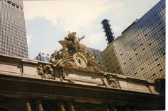 Grand Central Terminal plays a key role at the beginning and end of Lindsey and Jack's story