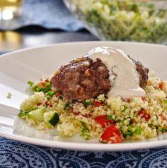 Makuja kotoa: Herkulliset koftat, tahinikastike ja couscous-salaatti