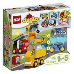 Conheça o sensacional Lego Duplo Meus Primeiros Veículos, um conjunto incrível que vai conquistar os pequeninos! Com as peças as crianças poderão montar  diversos carrinhos de construção e soltar a imaginação para criarem animads brincadeiras. Com este Lego as crianças poderão desenvolver sua criatividade  de uma forma prazerosa  e segura, pois as peças da linha Lego Duplo são desenvolvidas em um tamanho especial, maior, para proporcionar mais segurança as crianças e tranquilidade aos pais.