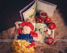Newborn baby Disney Snow White photo shoot