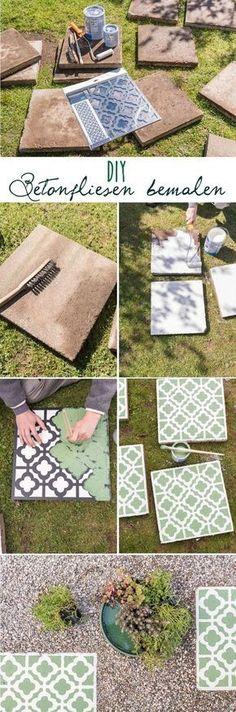 DIY Anleitung für selbstgemachte upcycling Betonfliesen im marokkanischen Look mit Betonfarbe und Betonplatten als dekorative Gehwegplatten für den Garten im Teppich Look // leelahloves.de