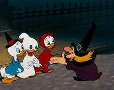 Donald Duck - Trick or Treat. One of my favorite Halloween cartoons :) Halloween Cartoons, Disney Halloween, Disney's Halloween Treat, Halloween Signs, Holidays Halloween, Vintage Halloween, Halloween Images, Cartoon Profile Pics, Cartoon Pics