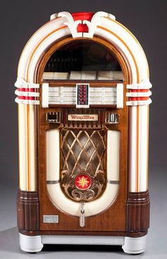 Wurlitzer Juke Box, Model OMT, 60Hz....I want one!!