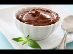 This chocolate avocado mousse for one is a great - and super healthy - treat. This chocolate treat is: Gluten free, Grain free, Dairy free, Sugar free. Shakeology Chocolat, Chocolate Shakeology, Chocolate Mousse Recipe, Chocolate Pudding, Chocolate Recipes, Healthy Chocolate, Homemade Chocolate, Alkaline Diet Recipes, Raw Food Recipes