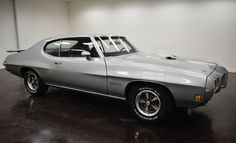 1970 Pontiac GTO:turbo 400 auto transmission with 2 doors and black on the inside and the outside money, mileage of 78,264 miles and a 400 V8 engine with 15-inch wheels; Wine used numbers: 2423702143326, and the numbers do not match.   This vehicle is available for sale, please contact us on: www.misterdeals.com / or call us on: 08-05-08-02-81 if you are interested in this vehicle.   Our prices are: 15,000 euros.