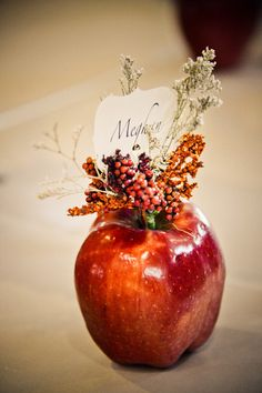 Loving this fall place card idea! {Elevate Photography} Place Card Ideas by Elevate Photography - Browse these ideas for asking your guests to find their seats in a creative and fun way! Wedding Table, Diy Wedding, Wedding Flowers, Wedding Ideas, Trendy Wedding, Wedding Themes, Wedding Dinner, Decor Wedding, Wedding Receptions