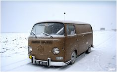 VW early bay T2a in the snow...